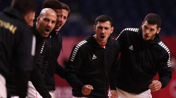 Portugal entrou melhor, esteve a ganhar por 6-4, sofreu um parcial de 5-0, andou sempre atrás mas conseguiu ganhar o jogo no minuto final
