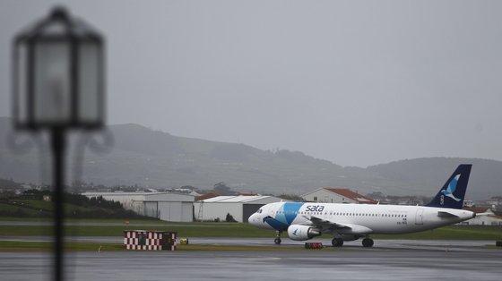 O valor de passivos por obrigações contratuais na SATA Air Açores apresenta face ao ano anterior uma redução de 3,1 milhões de euros