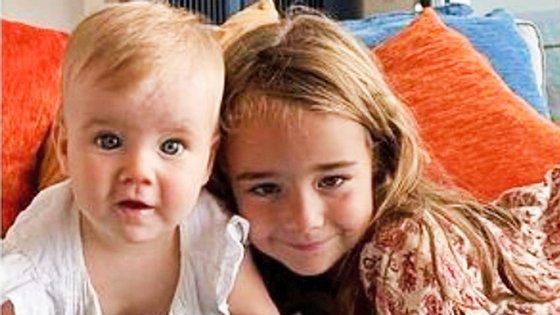 Anna tinha 1 ano e Olivia, 6. Foram sequestradas pelo pai, que continua desaparecido. Apenas o corpo da criança mais velha foi encontrado