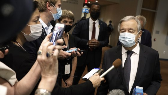 """Dujarric assegurou que o chefe da ONU está a """"seguir de perto a situação em Cabul, especialmente no aeroporto"""""""