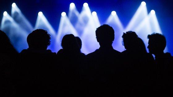Os bilhetes para os quatro dias do festival custam 90 euros. O bilhete comprado para 2020 ou 2021 tem entrada válida em 2022