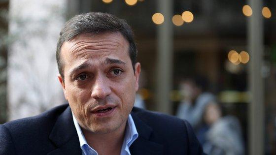 """Hugo Pires considera que Ricardo Rio é """"um candidato a prazo"""""""