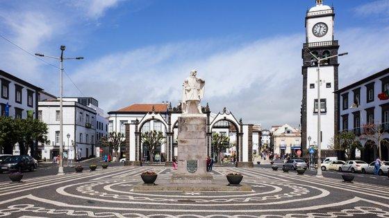 """O social-democrata referiu que existem zonas anexas ao polo de Ponta Delgada da UAc que podem ser """"colocadas ao serviço"""" da academia"""