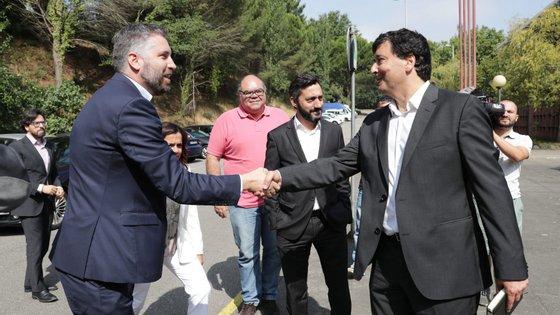 O ministro das Infraestruturas e da Habitação, Pedro Nuno Santos (à esquerda), e o ainda presidente da CP, Nuno Freitas. Foi Pedro Nuno Santos quem convenção o engenheiro a assumir o cargo em 2019