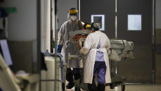 O programa ECMO foi implementado neste hospital em janeiro de 2020