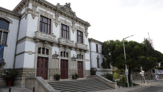 """Luís Paulo Fernandes visa o governante porque """"nunca conseguiu fazer que o hospital de Leiria, na capital de distrito, esteja ao mesmo nível de Coimbra, Aveiro e outras capitais de distrito"""""""