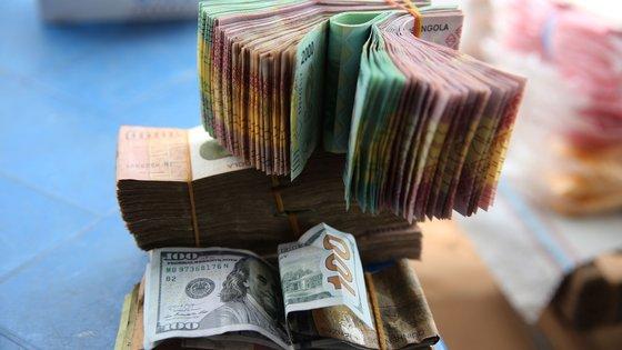 """Fundo Monetário Internacional reforçou que uma contratação de linha de financiamento tem de ser """"muito cautelosa"""" considerando os níveis elevados da dívida."""