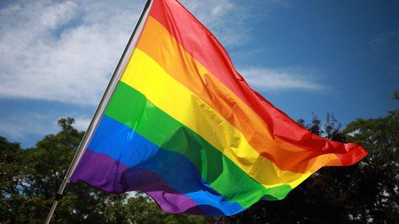 No seu programa eleitoral propõe formações para docentes e auxiliares de ação educativa para melhor acompanhar crianças e jovens LGBTI