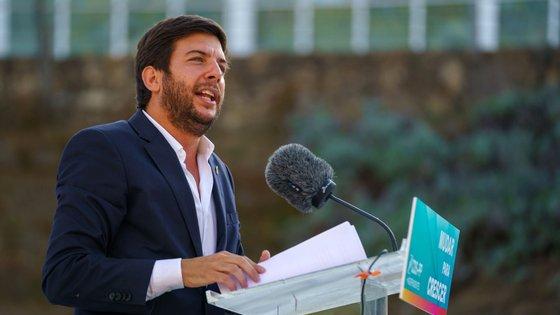 """""""Vou exigir a António Costa que crie um acelerador do desconfinamento, a começar no mês de agosto, que seja um passaporte dos portugueses para a sua vida com normalidade"""", reforçou o líder do CDS-PP"""