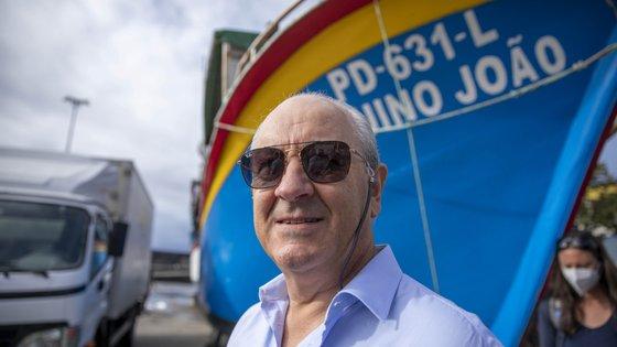 O líder social-democrata elencou depois vários projetos defendidos pelo PSD que visam a descentralização