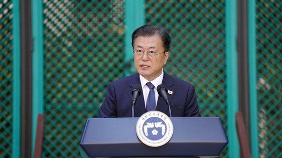 Moon Jae-in nunca escondeu o seu amor por cães e tem vários na sua residência presidencial