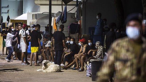 Nas horas imediatamente anteriores, houve outros cinco desembarques na ilha, com um total de 119 pessoas