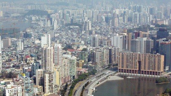 No documento aprovado pelos eurodeputados em Estrasburgo na quinta-feira, o PE instou Pequim a respeitar a Lei Básica de Macau (miniconstituição do território)