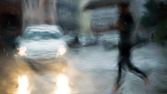 """A sul, no domingo, a previsão aponta para céu com """"boas abertas e até pouco nublado no Algarve"""""""