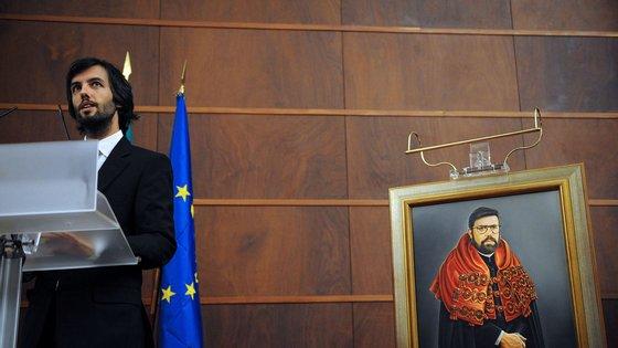 Jacinto Lucas Pires, discursa durante a cerimónia de homenagem a Francisco Lucas Pires, Coimbra, 31 de Maio de 2008. SERGIO AZANHA/LUSA31 de Maio de 2008.  SERGIO AZENHA/LUSA