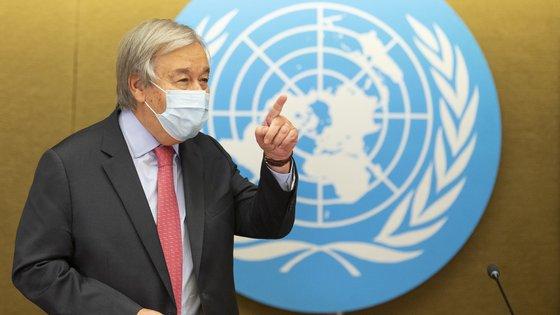 """O aumento """"considerável"""" de 16% """"pode representar uma subida da temperatura de cerca de 2,7 graus até ao fim do século"""", com consequências dramáticas, concluiu a especialista da ONU"""