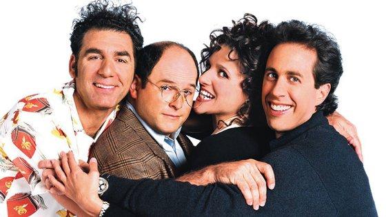 Cosmo Kramer (Michael Richards), George Costanza (Jason Alexander), Elaine Benes (Julia Louis-Dreyfus) e Jerry Seinfeld (que interpreta uma versão ficcional de si mesmo) são os protagonistas da marcante sitcom
