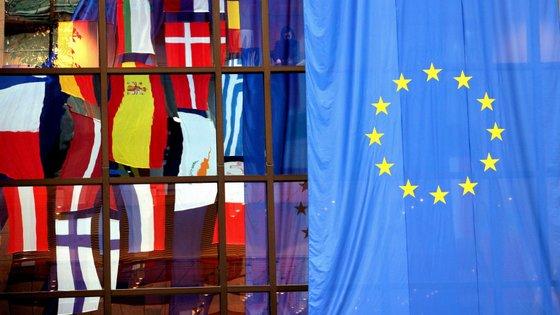 Nas maiores economias da UE, o sentimento económico subiu em julho acentuadamente em França (+4,0) e, em menor escala, em Itália (+1,7)