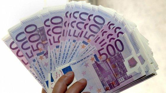 O Ministério das Finanças tinha por libertar, no final de julho, 786,3 milhões de euros, dos 1.014,7 milhões de euros cativos iniciais