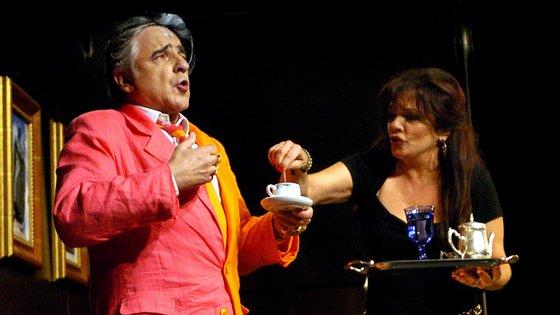 """Igor Sampaio e Rita Ribeiro durante a comédia musical """"Marquês de Pombal"""", no Teatro Independente de Oeiras, em 2007"""