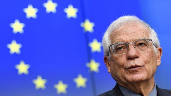 """Em 2011, a Tunísia iniciou a transição democrática com a designada """"Revolução do jasmim"""", que levou ao fim do regime de Zine El Abidine Ben Ali, no poder há duas décadas"""