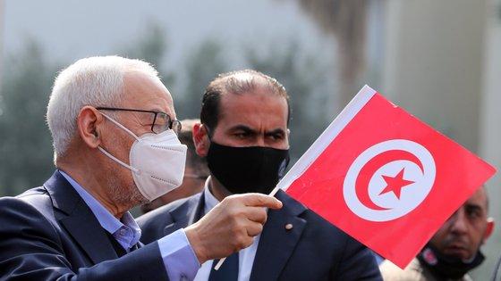A opção do Presidente também reforçou as inquietações sobre a fragilidade da democracia na Tunísia
