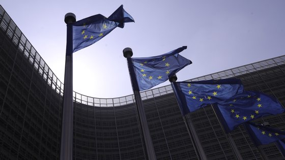 Bruxelas transferiu 255.322 milhões de euros para os 28 Estados-membros, sendo que 6,3% desse montante foi para Portugal
