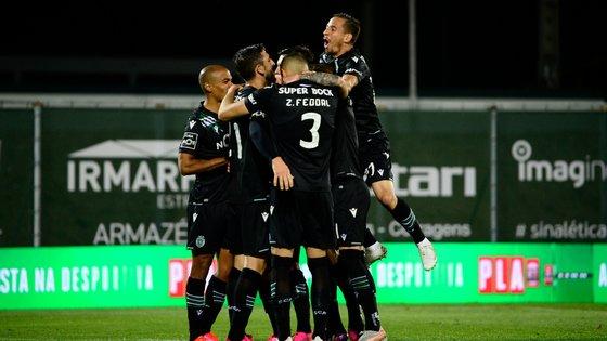 Sporting venceu o Rio Ave (2-0) e está mais próximo do título