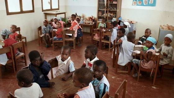 O Ministério da Educação tem dois cenários, mas está a trabalhar para o regresso às aulas na normalidade