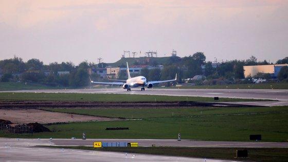 A companhia irlandesa Ryanair indicou em maio que a tripulação do voo FR4978 tinha sido instruída a desviar o avião para o aeroporto mais próximo, Minsk