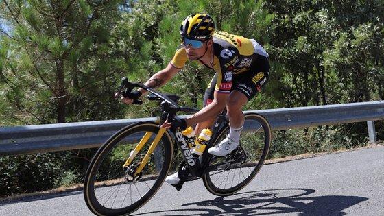 Na quinta-feira, a 18.ª etapa liga Salas a Altu d'El Gamoniteiru em 162,6 quilómetros, em nova tirada de alta montanha, culminando pelo segundo dia seguido numa subida de categoria especial