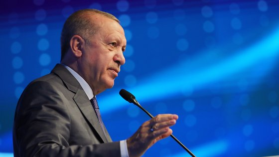 Recep Tayyip Erdogan quererá agradar à sua base eleitoral conservadora, num contexto de dificuldades económicas