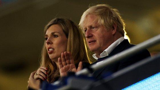 O líder do governo britânico, Boris Johnson, recebeu na terça-feira representantes das empresas proprietárias de redes sociais