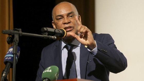 """""""Os angolanos querem governantes que sejam patriotas, que amem o povo, respeitem a lei e não sejam corruptos"""", refere documento da frente"""