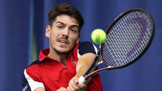 João Domingues foi eliminado em três equilibrados sets, por 4-6, 7-6 (7-5) e 7-5