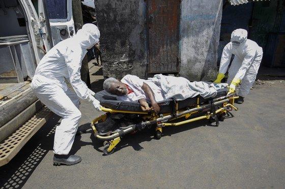 Na zona oeste da Serra Leoa a epidemia continua a propagar-se