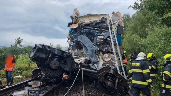 A colisão aconteceu porque um dos comboios falhou um sinal vermelho