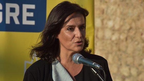 """""""Pensem bem como é que vão votar. Eu apelava aqui ao voto útil, o voto na CLIP"""", disse Adelaide Teixeira"""