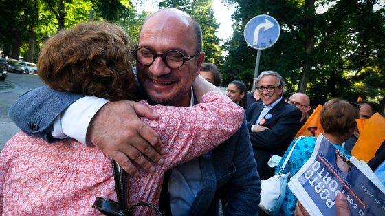Sem medos, Vladimiro Feliz aproximou-se e cumprimentou miúdos e graúdos, dedicando todo o sábado a arruadas pela cidade