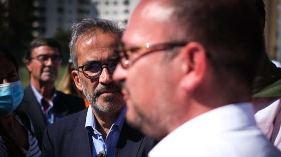 No último dia de campanha de Vladimiro Feliz, Rangel e Menezes juntaram-se à comitiva laranja, onde Álvaro Almeida também marcou presença