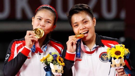 As duas atletas, de 23 e 33 anos, bateram a dupla chinesa na final de pares