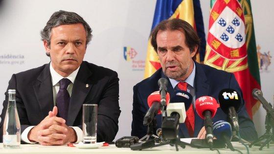 Pedro Calado (à esquerda) falou ainda de várias medidas implementadas pelo governo insular na área da mobilidade