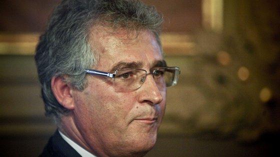 O desembargador jubilado Luís Vaz das Neves, suspenso por 7 meses, vai recorrer da decisão. Ao que tudo indica, Orlando Nascimento, seu sucessor no Tribunal da Relação de Lisboa, deverá fazer o mesmo
