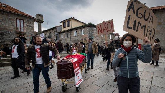 Manifestação contra a construção da mina de lítio a céu aberto em Montalegre, por parte da Associação Montalegre com Vida