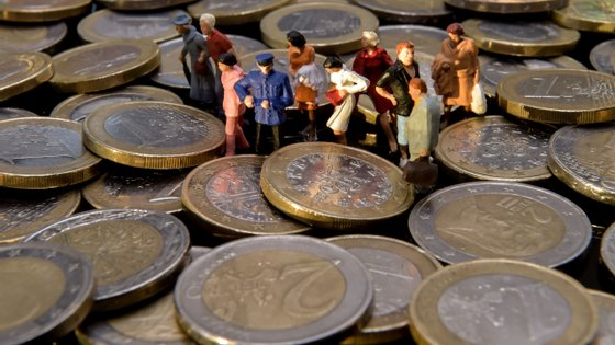 FRANCE-UE-CURRENCY-EURO-FINANCE-ECONOMY