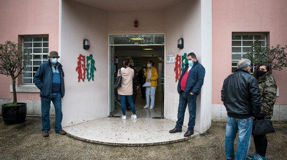 Pandemia de Covid-19 pode justificar que menos pessoas se tenham dirigido aos serviços para pedir a renovação do pedido de isenção