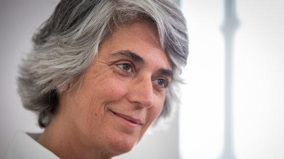 """""""Como primeira mulher a presidir à Biblioteca Nacional, entre 1990 e 1996, destacou-se pelo impulso que deu aos estudos sobre a história desta instituição e das suas coleções"""", disse Graça Fonseca"""
