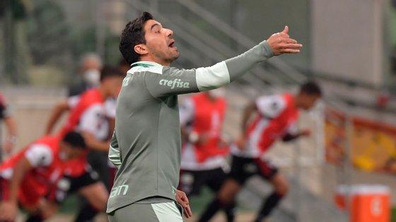 O treinador português leva agora 13 vitórias em 17 jogos disputados na Libertadores
