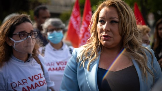 A candidata social-democrata disse ainda não acreditar nas sondagens que têm sido divulgadas