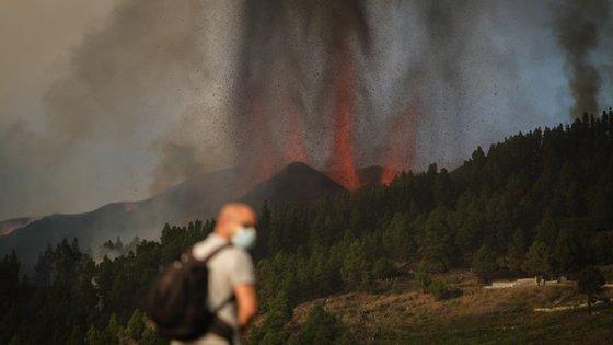 Mais de 150 casas foram destruídas na sequência da erupção do vulcão Cumbre Vieja
